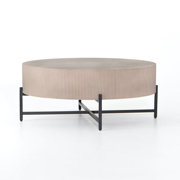 Minimalist Outdoor Coffee Table - StyleMeGHD