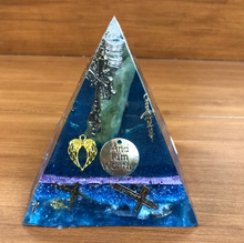 Load image into Gallery viewer, **SPECIAL** Aventurine Orgonite EMF Protection/Chakra Healing Pyramid