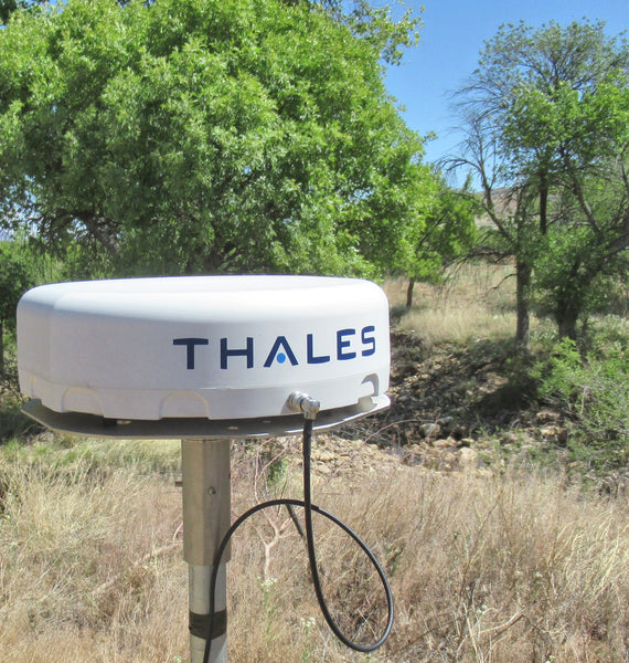 Thales MissionLINK antenna pole mount