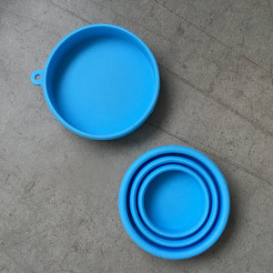 Collapsible silicone travel cup with lid