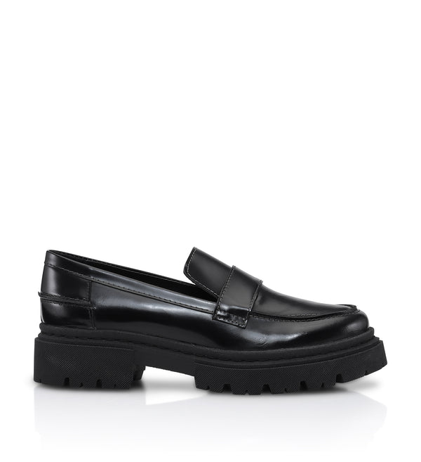 Shoe Biz Suri Polido Loafer Black w. white stitching
