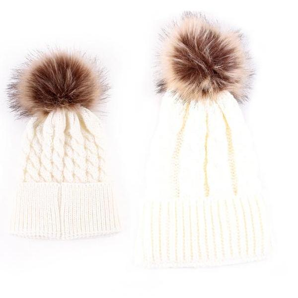 MOMMY + ME POMPOM BEANIE SET (2PC)