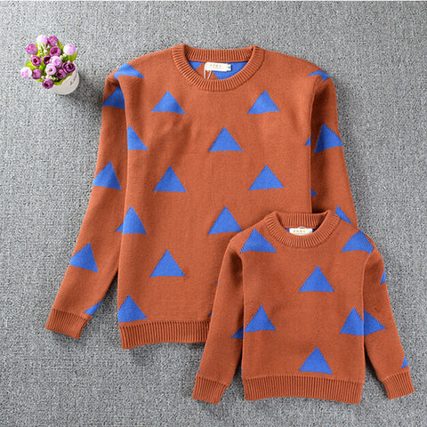 Image of MOMMY + ME - TRIBECA TRIANGLE SWEATER