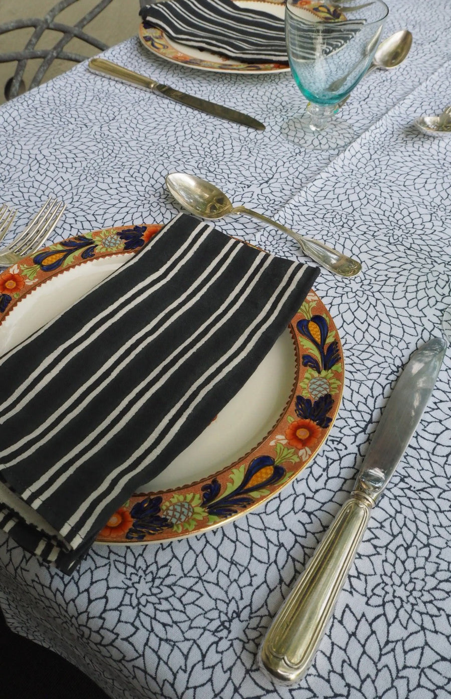 MIDNIGHT TUBEROUS TABLECLOTH