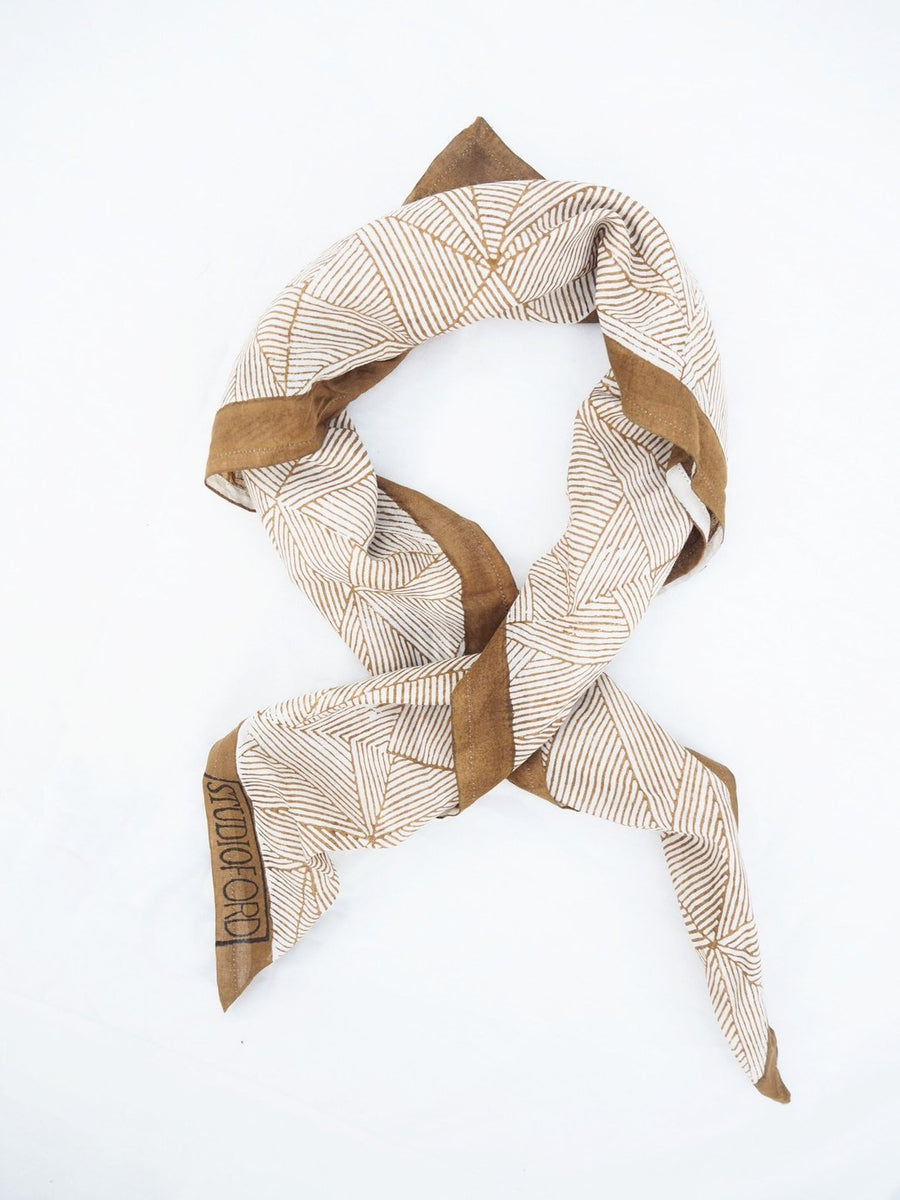 CAMEL TESSELLATE SCARF