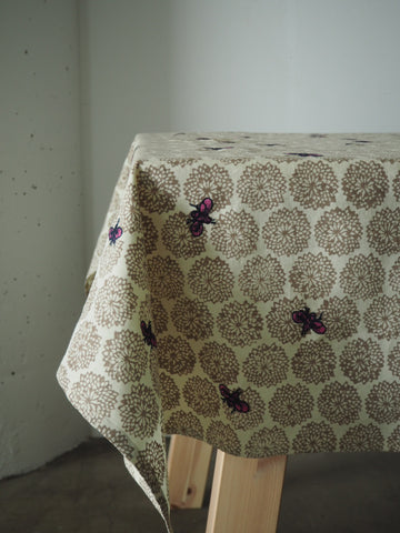 HONEY BEE TABLECLOTH