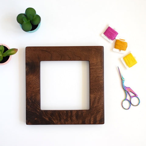 Walnut square embroidery frame (wide)