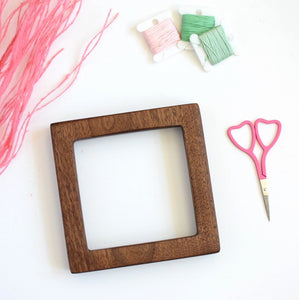 Walnut square embroidery frame (slim)