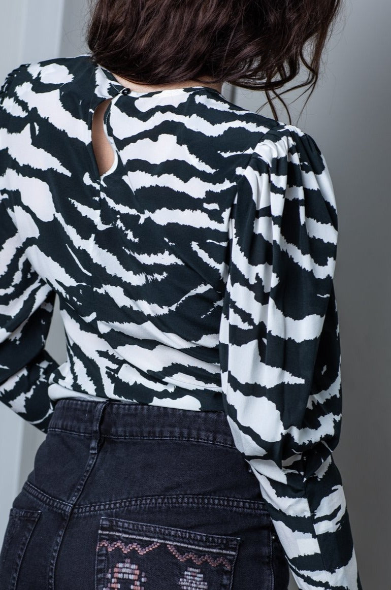 Top Favallia mit Zebraprint