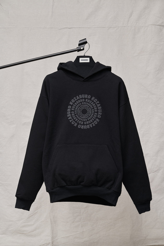 HEAVY FLEECE BLACK CIRCLE LOGO PRINT