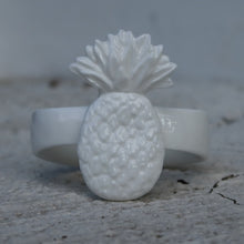 Load image into Gallery viewer, Pineapple napkin rings holder