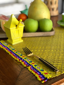 Set of 6 yellow placemats with beads