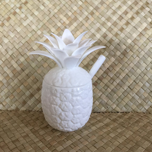 Pineapple containers with spoon