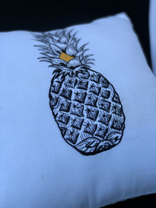 Pineapple embroidered pillowcase in white
