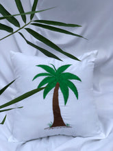 Charger l'image dans la galerie, Coconut embroidered pillowcase in white