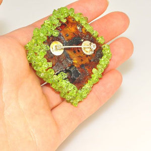 Sterling Silver Baltic Honey Amber and Peridot Pin