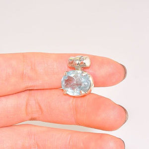 Sterling Silver 5-Carat Aquamarine Oval Faceted Pendant