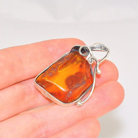 Sterling Silver Baltic Honey Amber with Leaf Design Pin