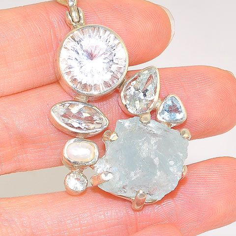 Sterling Silver 13.9-Carats Rough Aquamarine, 6.7-Carats Quartz, 1.4-Carats Aquamarine,1.3-Carats White Topaz and Freshwater Pearl Pendant