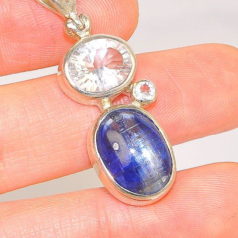 Sterling Silver 9.6-Carats Kyanite, 3.3-Carats Quartz, and 0.1-Carats White Topaz Pendant