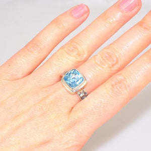 Sterling Silver 2.5-Carat Blue Topaz Square Ring