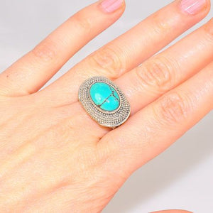Sterling Silver Turquoise Oval Ring (Size 8)