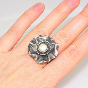 Oxidized Sterling Silver Vintage Flower Carved Freshwater Pearl Centered Ring