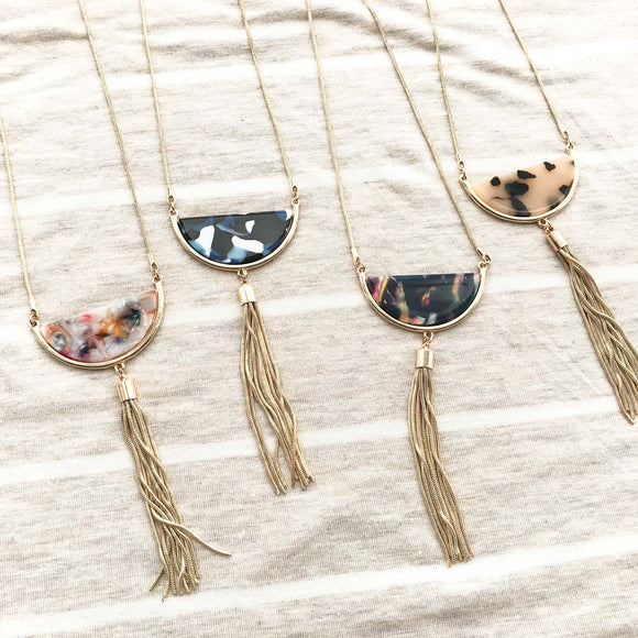Semi Tassel Necklace