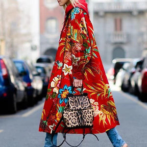 15+ Long Coats with Bright Color Printings for Autumn and Winter