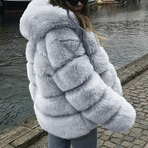 Women's faux fur fox fur hooded jacket