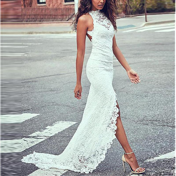 Long Sleeveless Dress With Round Collar And Lace