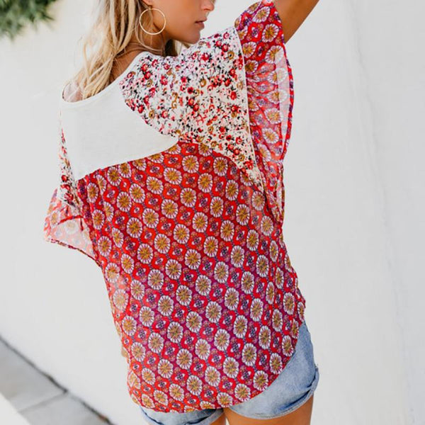 Printed Geometric Irregularity With A Loose, Short-Sleeved Blouse