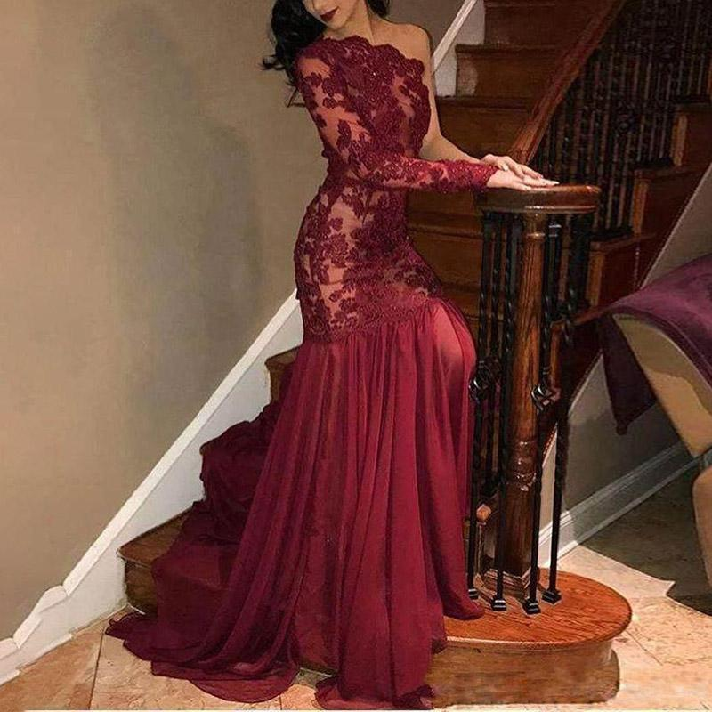 Sexy Lace One-shoulder Long-sleeved Evening Dress