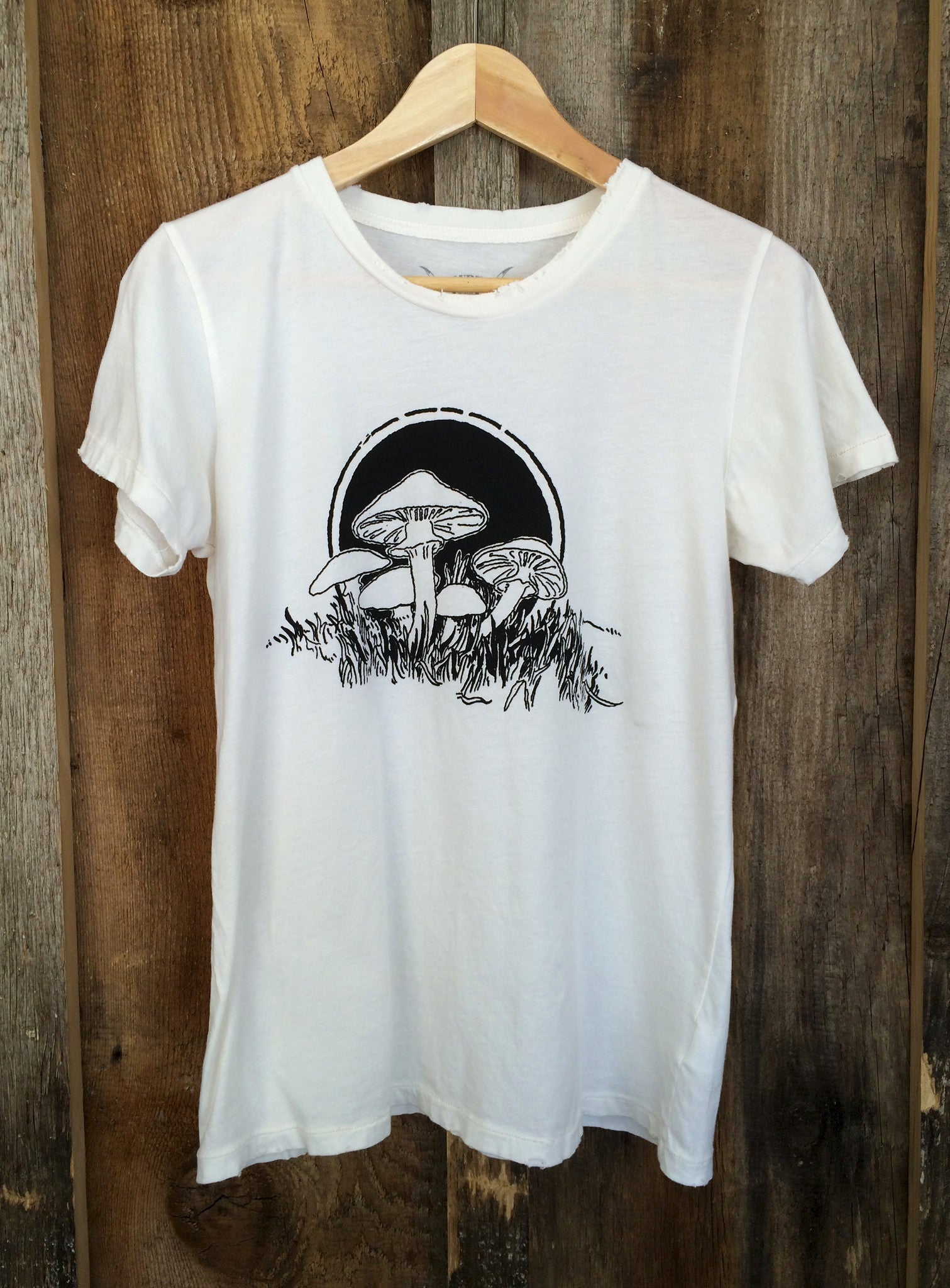 Mushrooms Womens Tee White/Blk