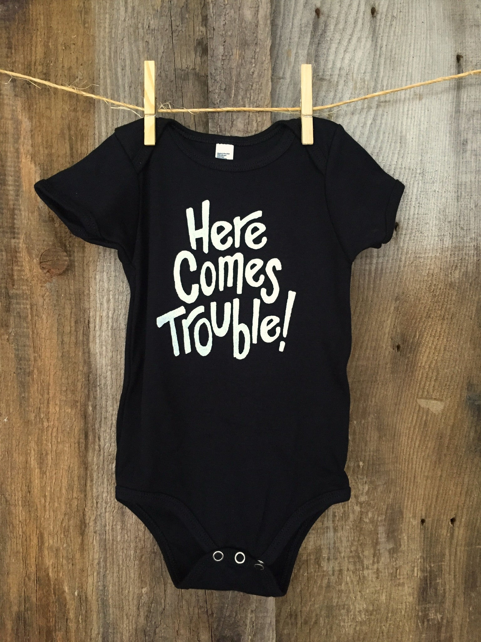 "Bandit Baby ""Here Comes Trouble"" Onesie Blk/White"