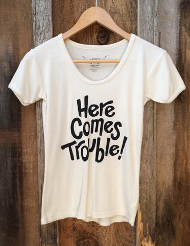 Here Comes Trouble 70's Tee White/Blk