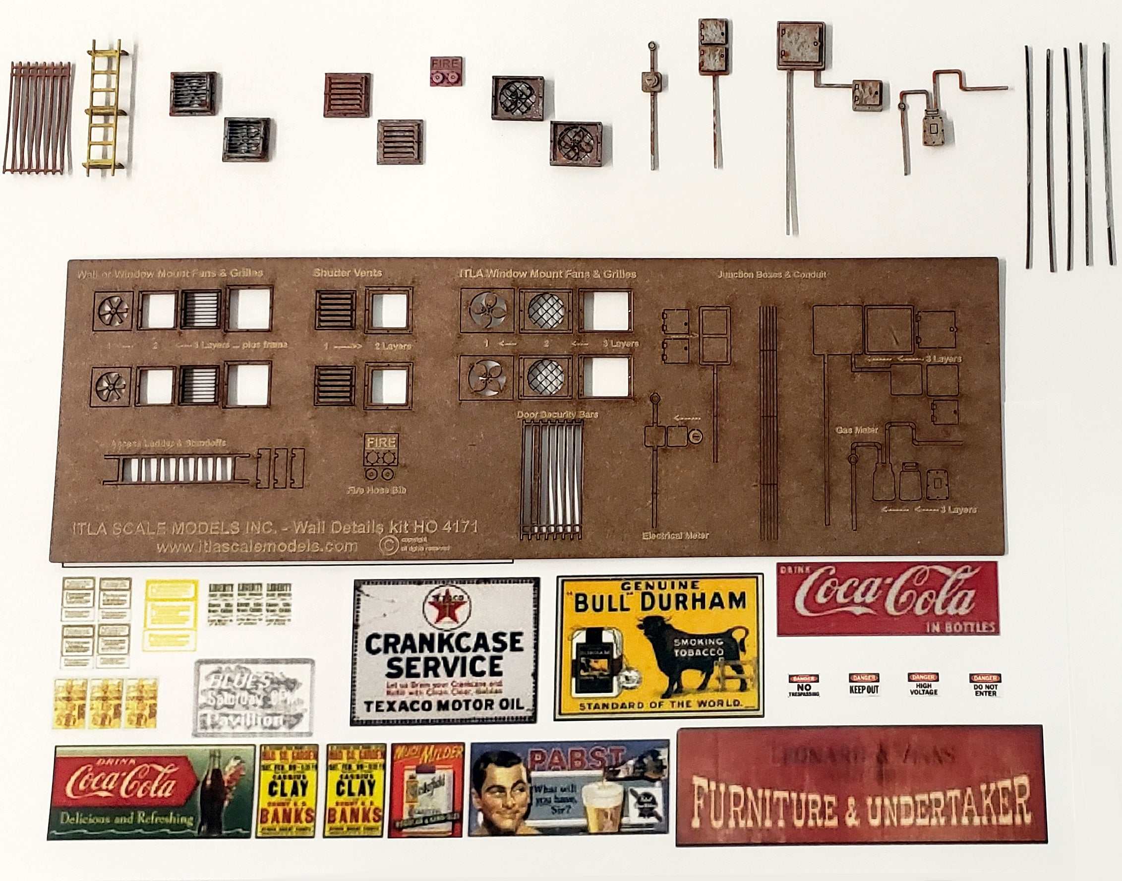 HO Scale - 18 piece Wall Detail Kit - ITLA