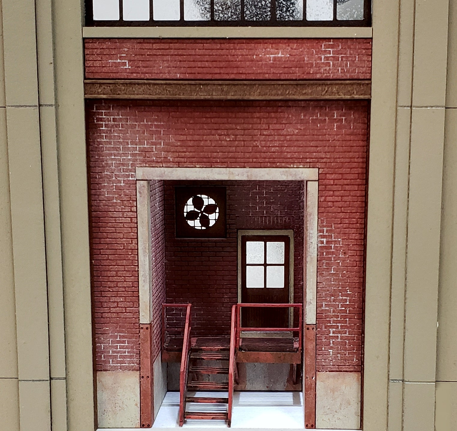 HO Scale Industrial Wall Module - Personnel Entry Doorway - ITLA