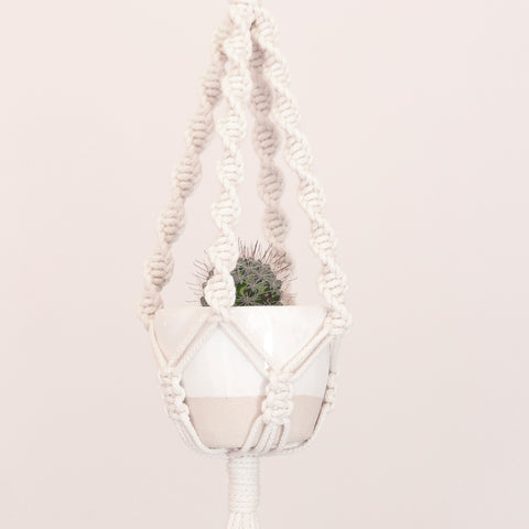 Macrame pot holder - mini