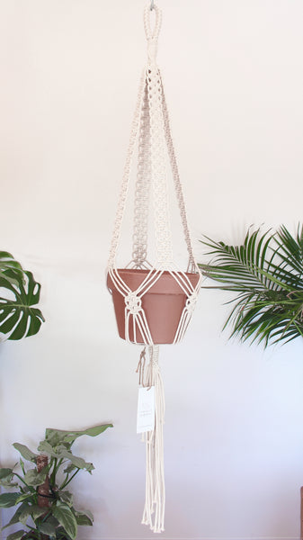 Macrame pot holder - penny