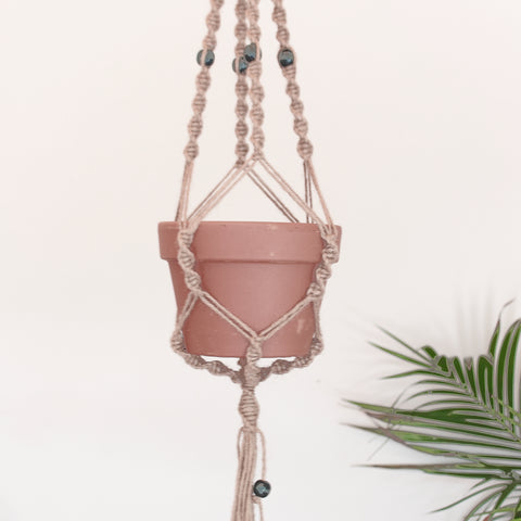 Macrame pot holder - old school