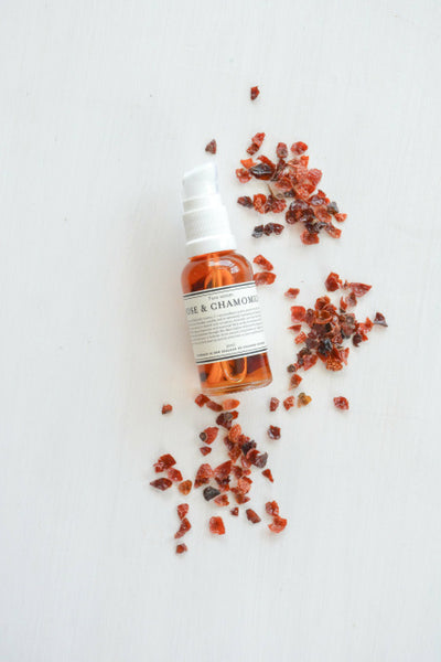 Country Kitchen - Rose and Chamomile Face Serum | Skin Food