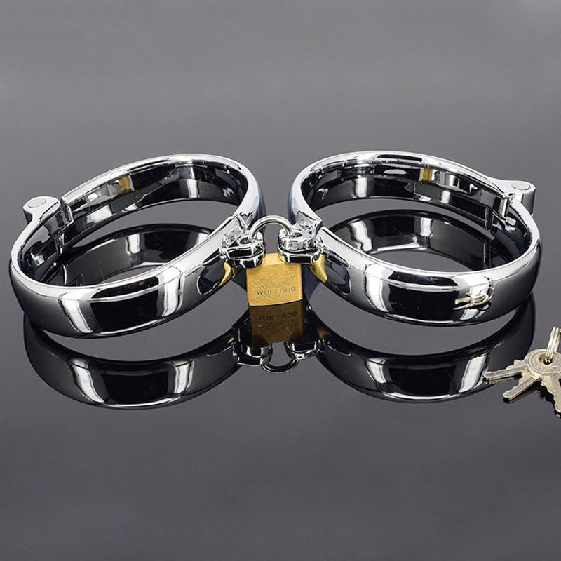 High Quality Metal BDSM Women/Men Hand Cuffs Slave Fetish Bondage Restraints Hand Cuffs For Sex Torture Toys Adult Games