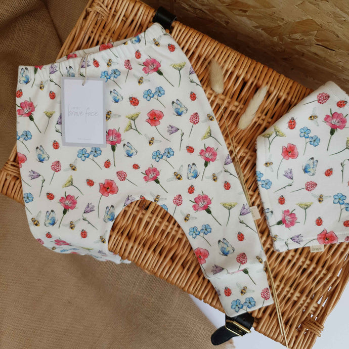 SALE Wildflower Garden Leggings - 0-3m (small mark)