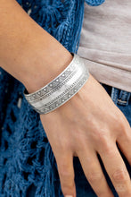 Load image into Gallery viewer, Desert Peaks - Silver Cuff Bracelet - The Paparazzi Fox