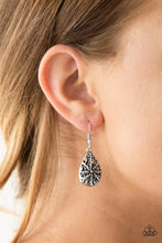 Load image into Gallery viewer, Western Wisteria - silver earrings - The Paparazzi Fox