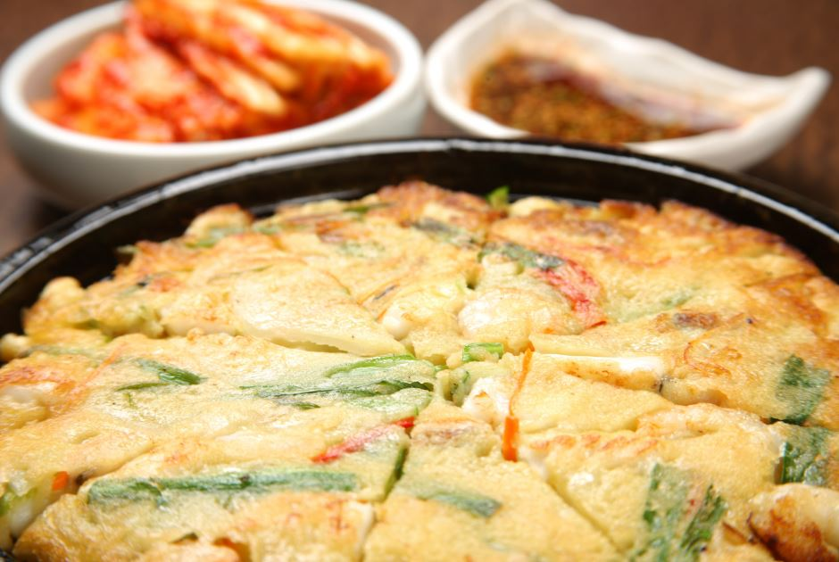 How to Make a Delicious Korean Seafood & Spring Onion Pancake