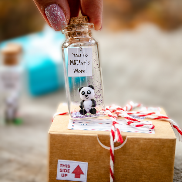 """PANDASTIC MoM"" Personalized Gift Bottle - AwwBottles"
