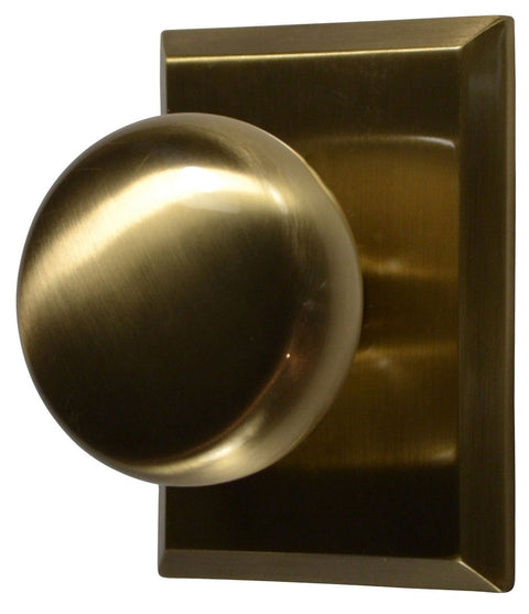 Round Brass Door Knob with Traditional Rectangular Plate
