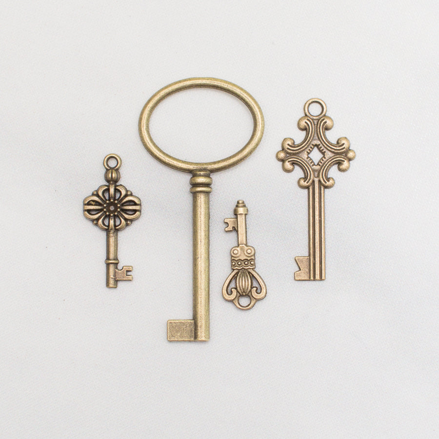 Assorted Vintage Style Keys - thestylingmat